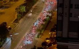 """Cả trăm """"quái xế"""" tổ chức đua xe lúc rạng sáng khi TP.HCM tiếp tục áp dụng chỉ thị 10"""