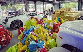 """""""Gã thợ săn"""" lái Mẹc đi ship gạo, nước mắm, biến showroom siêu xe thành tiệm tạp hóa"""