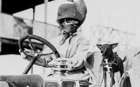 Khi xe hơi mới thịnh hành, phong cách thời trang 'ninja' kín mít đã rất được ưa chuộng