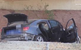 Chiếc ô tô treo bảng miễn phí, 2 người đàn ông tưởng được của hời, nhảy lên lái một vòng rồi chết trân phát hiện 'quà tặng kèm'