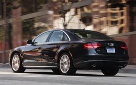 """Tesla """"chơi chữ"""", Audi không phục"""