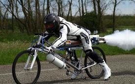 Chuyện lạ: Xe đạp đạt vận tốc 263 km/h