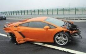 Lamborghini Gallardo bị phá nát trong buổi lái thử