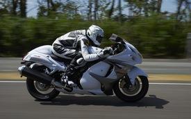 Xem Josh Barton vít ga Suzuki Hayabusa lên trên 365 km/h