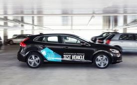 Volvo khoe hệ thống đỗ xe không cần người lái