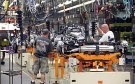 GM tăng cường đầu tư sản xuất xe mới, Lotus đối mặt với vấn đề tài chính