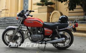 """Xế """"độc"""" Hondamatic CB400A Hawk: Xác xe côn, hồn xe ga"""