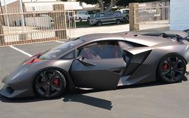 Video: Lamborghini Sesto Elemento ghé thăm London
