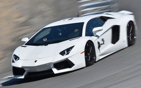 Video: Lamborghini Aventador ghé thăm trường đua Laguna Seca