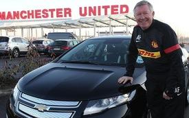 HLV Manchester United lái Chevrolet Volt đến sân tập