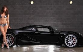Video: Hennessey Venom GT Spyder đầu tiên trên thế giới