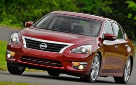 Nissan thu hồi một loạt xe mới