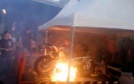 Siêu môtô BMW S1000RR nổ động cơ trên băng thử Dyno