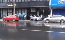 Màn đỗ xe thất bại trước cửa Bộ Xe cơ giới