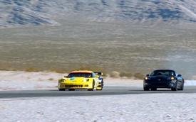 Video: Corvette C6.R và ZR1 quyết đấu