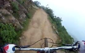 Video: Đổ đèo không phanh bên vách núi