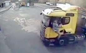 Video: Bác tài xế may mắn