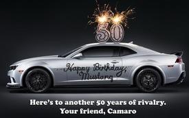 Chevrolet Camaro gửi lời chúc mừng sinh nhật tới Ford Mustang