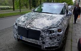 BMW X7 lần đầu lộ diện