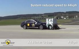 """Mercedes-Benz """"tai nạn"""" trong màn khoe khả năng tránh tai nạn"""