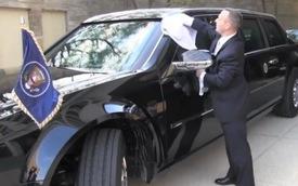 Xem nhân viên của Tổng thống Obama chăm sóc chiếc xe an toàn nhất thế giới