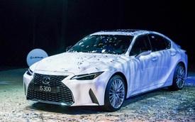 Những cách 'khiêu khích' khách Việt của Lexus IS 2021