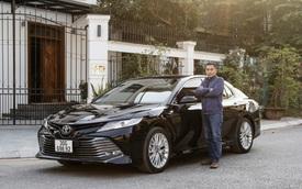 Doanh nhân 8X đánh giá Toyota Camry: Thiết kế thuyết phục từ cái nhìn đầu tiên, tiện nghi tiệm cận xe sang