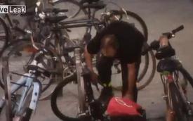 Trộm xe đạp bị bắt ngay tại trận