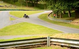 Xe đua 108 tuổi vẫn drift như thường