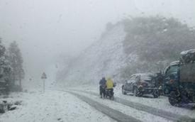 Tuyết rơi dày ở Sapa khiến giao thông đi lại khó khăn