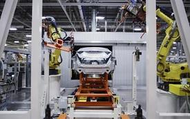 Cận cảnh quá trình sản xuất lắp ráp mẫu Chrysler 200