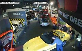 """Bảo tàng Corvette """"di tản"""" vì hố tử thần"""
