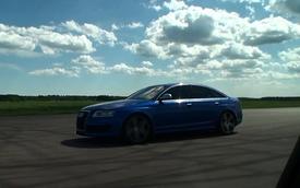 Audi RS6 hít khói BMW E30 M3 trên đường đua tốc độ