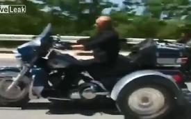 Tổng thống Putin cưỡi môtô khủng đến Ukraine