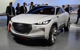Hyundai Intrado lấy cảm hứng thiết kế từ cánh máy bay