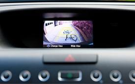 NHTSA: Camera lùi là trang bị bắt buộc trên mọi mẫu xe mới