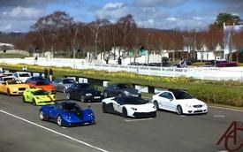Hàng chục siêu xe diễu hành quanh đường đua Goodwood