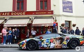 Lamborghini Aventador phiên bản World Cup bất ngờ xuất hiện tại London
