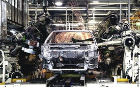 Toyota thay thế robot bằng con người nhằm nâng cao chất lượng xe