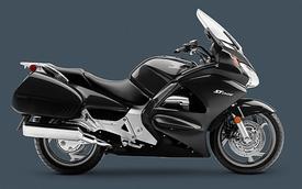 """Honda ST1300 Pan European """"về hưu"""", CTX1300 kế nhiệm"""