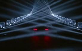 Ken Block xuất hiện trong màn biểu diễn mới với đèn laser