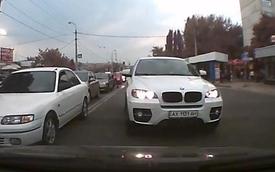 Cậy xe xịn, tài xế BMW X6 lấn làn, gây gổ với người đi đúng luật