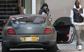 Balotelli không thể trốn người hâm mộ vì Bentley quá nổi