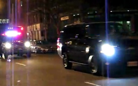 """Video: Đoàn xe """"hoành tráng"""" hộ tống Tổng thống Obama"""