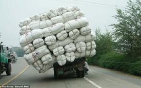 Xe chở quá tải - Chuyện đâu chỉ ở Việt Nam