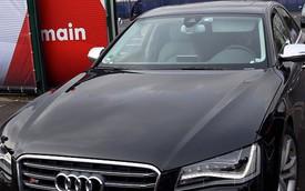 David Beckham lái Audi S8 đen bóng