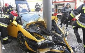 """Cặp đôi Lamborghini Gallardo """"rủ nhau"""" tử nạn"""