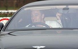 Tắc đường, John Terry bỏ rơi xế sang Bentley