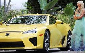 Paris Hilton trả góp để sở hữu siêu xe Lexus LFA