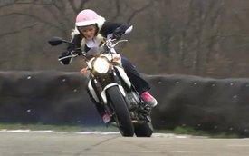 Video: Giả gái để lái thử Suzuki 650 Gladius